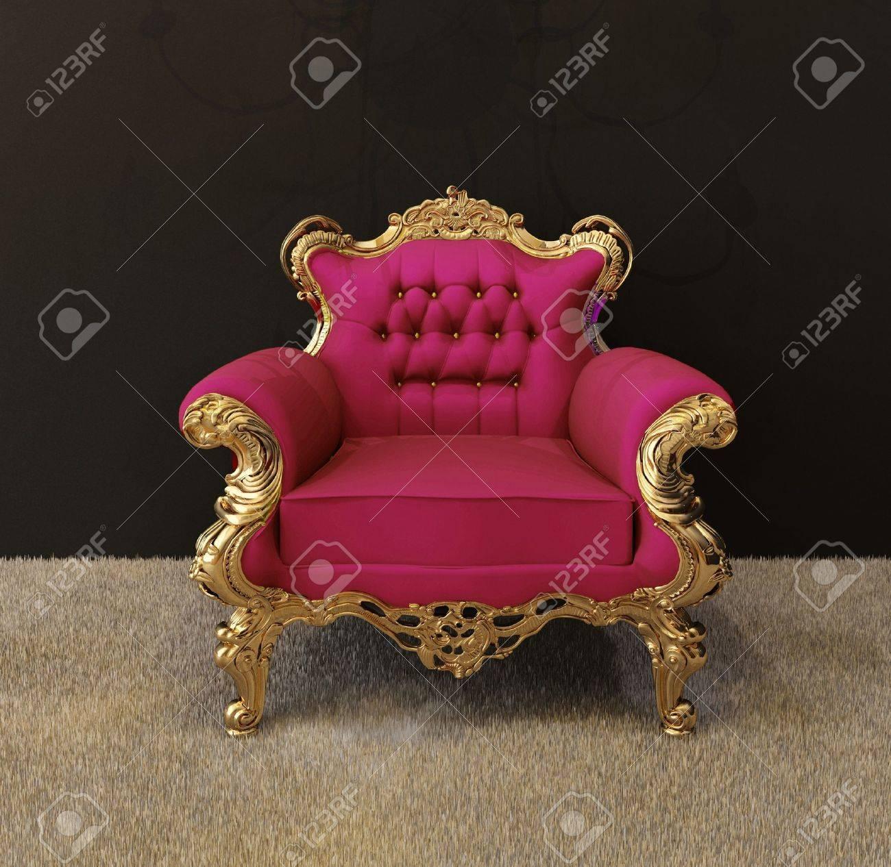 Luxus Sessel Mit Goldenen Rahmen Und Königliche Kronleuchter Im ...