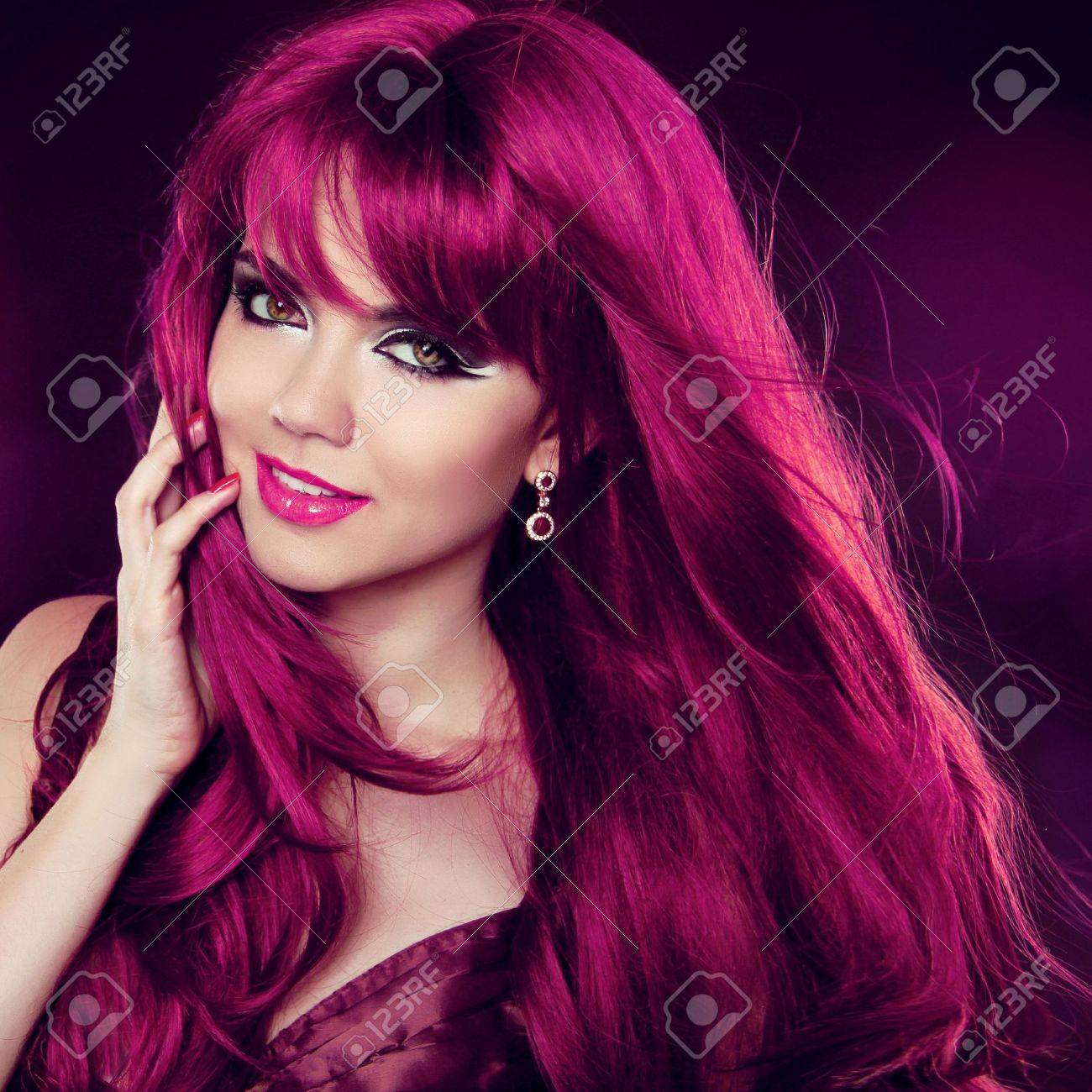 Fashion Girl Portrait with long Curly Hair Stock Photo - 20499573