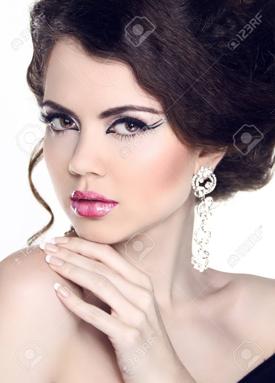 Fashion Beauty Woman Portrait. Manicure and Make-up. Hairstyle. Jewelry Stock Photo - 20590664