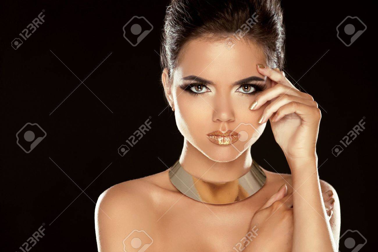 Glamour Lady. Fashion Beauty Girl Isolated on Black Background. Gorgeous Woman Portrait. Stylish Haircut and Makeup. Hairstyle. Make up. Vogue Style. Stock Photo - 21893377