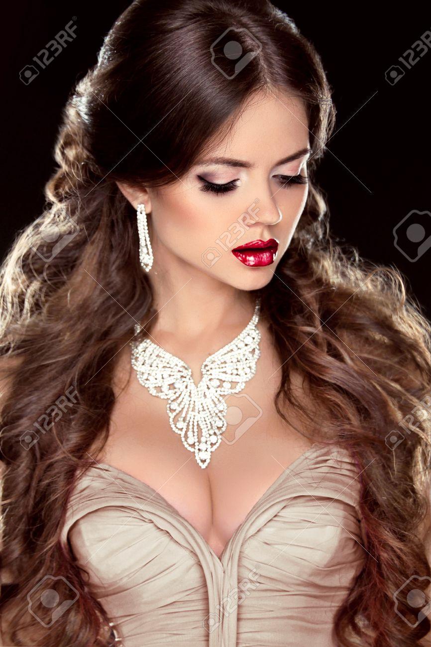 Brown Hair Fashion Girl Model Beautiful Woman With Brown Wavy