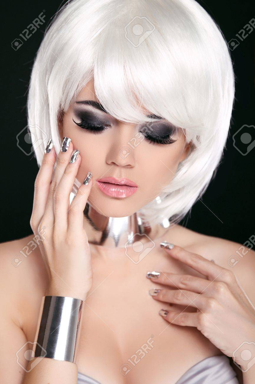 maquillaje pelo blanco