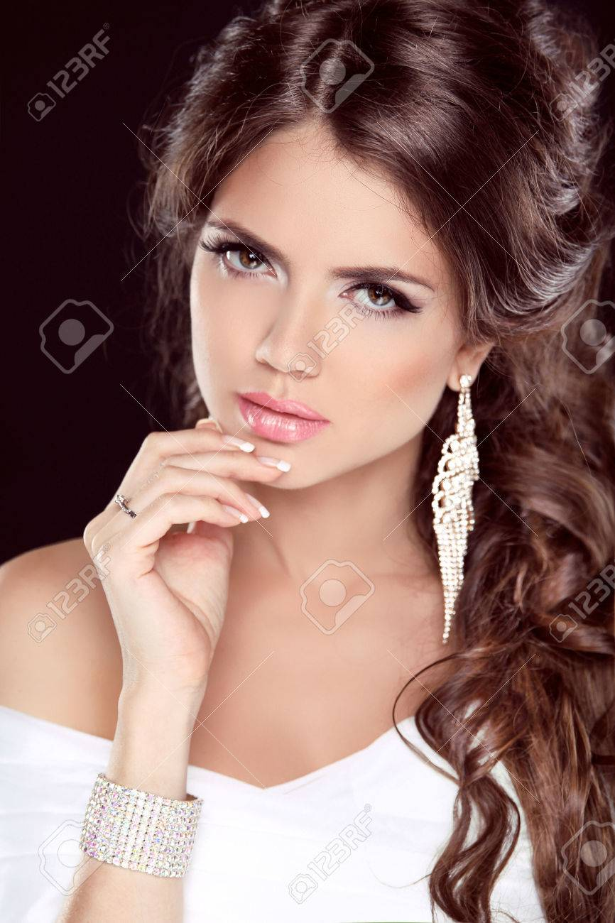 Black dress nails - Beautiful Brunette Woman Hairstyle Makeup Manicured Nails Fashion Elegant Girl In White
