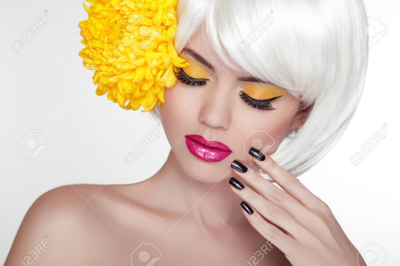 Beauty blond female portrait with yellow flower beautiful spa beauty blond female portrait with yellow flower beautiful spa woman touching her face makeup izmirmasajfo