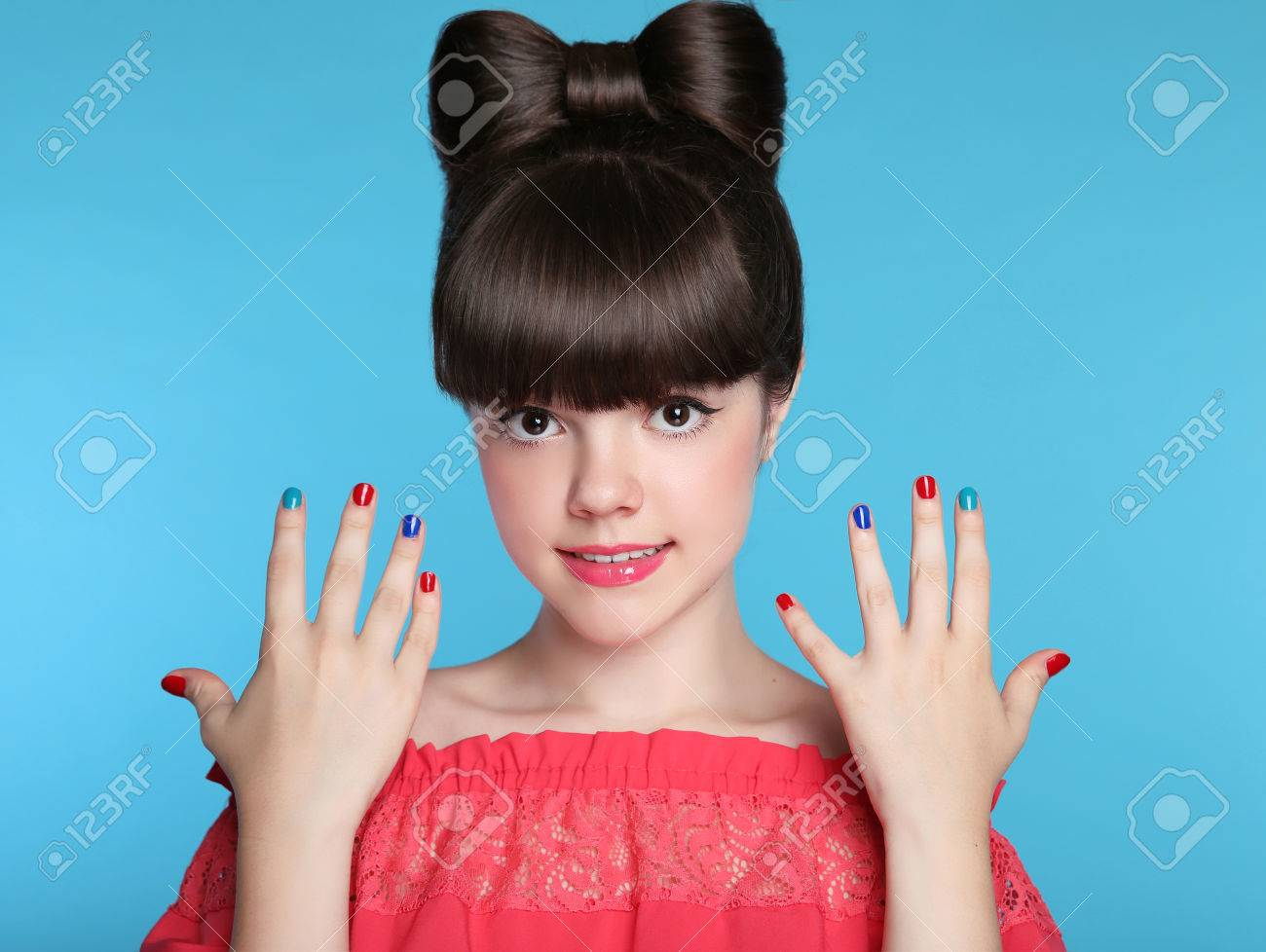 teenies-with-long-nails-free-pics