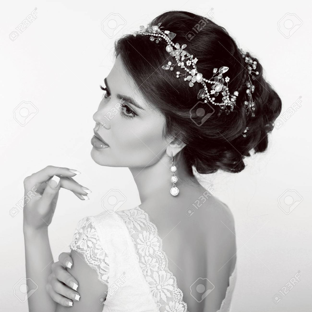 Wedding Hairstyle. Beautiful Fashion Bride Girl Model Portrait ...