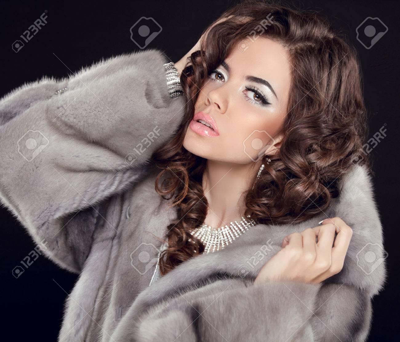 Moda Rizado De La Retrato Maquillaje Mujer Hermoso Pelo Chica fARqB0Uwqn