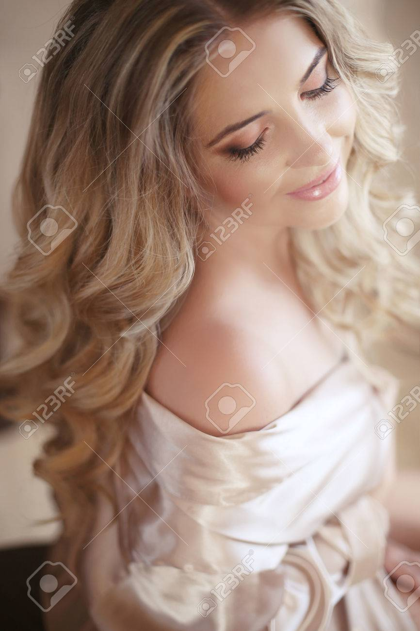 Beautiful Sexy Bride Woman Wedding Makeup Curly Hairstyle