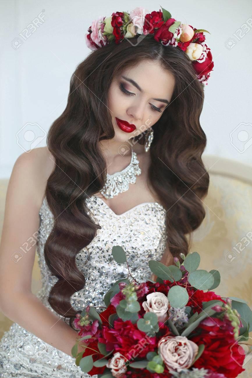 Bilden Hochzeit Frisur Schone Braut Langes Welliges Haar