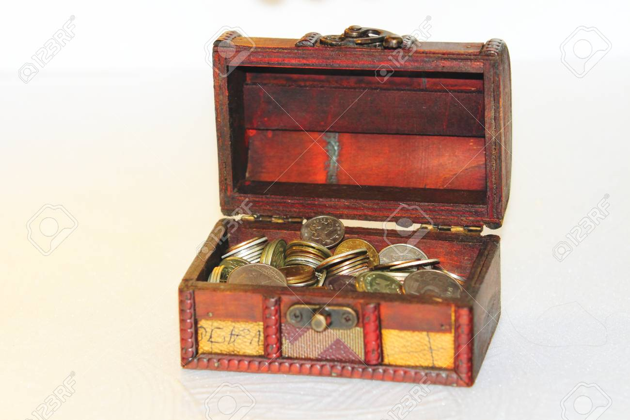 still-life, a chest with money Stock Photo - 17927888