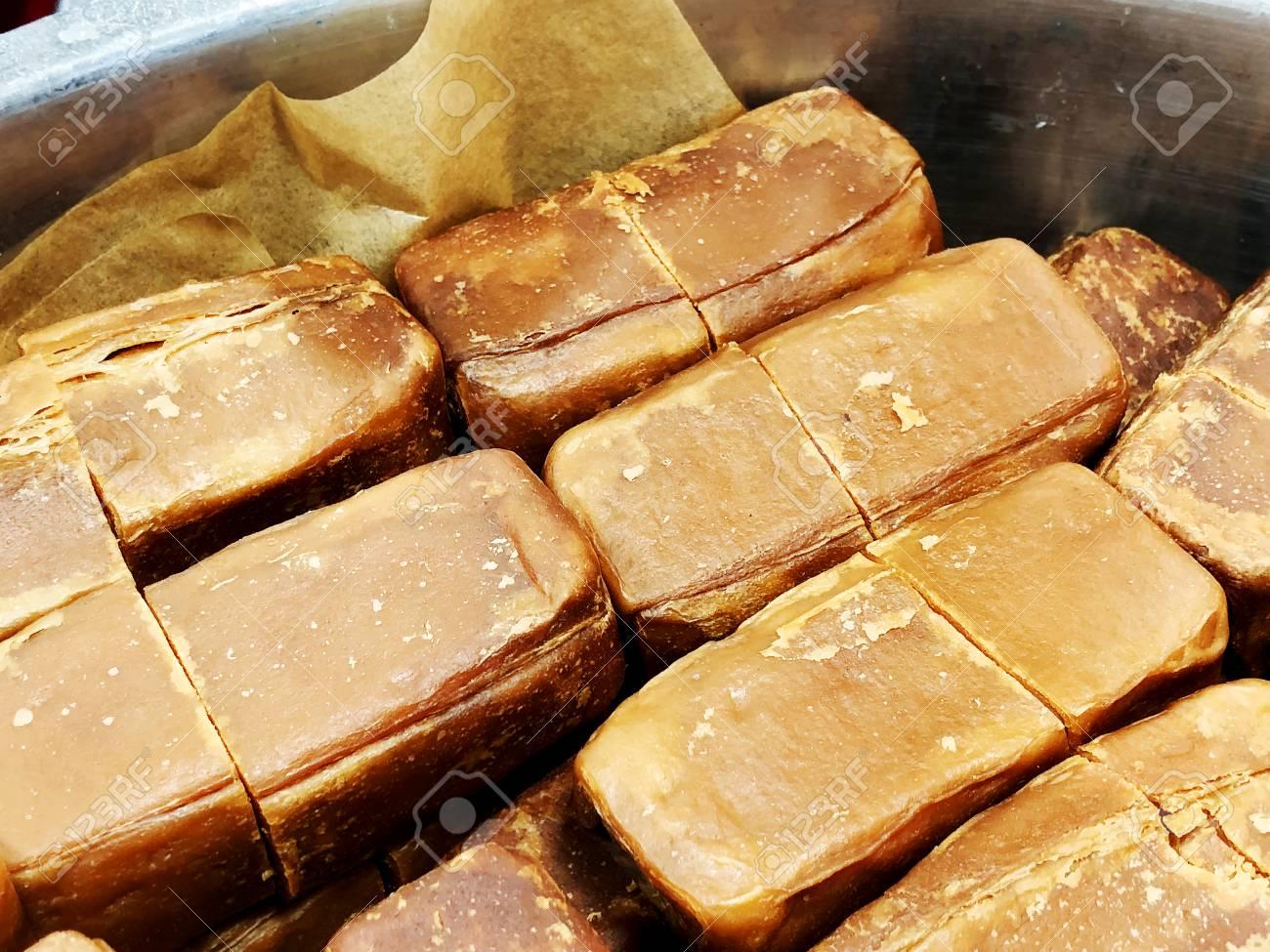 Yakhnuna was rubbing classical Jewish Yemenite food  Usually