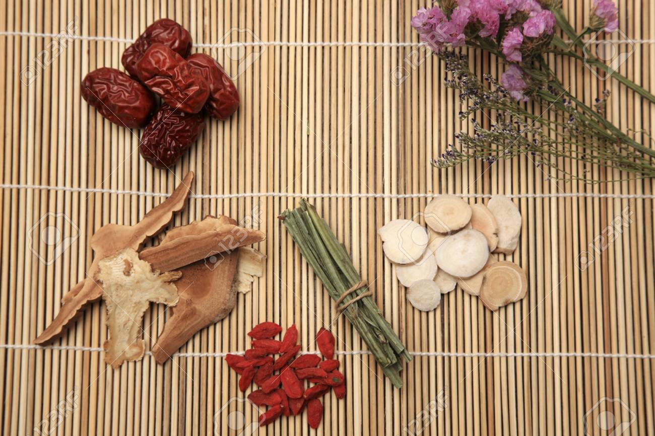 Chinese herbal medicine Stock Photo - 16564411