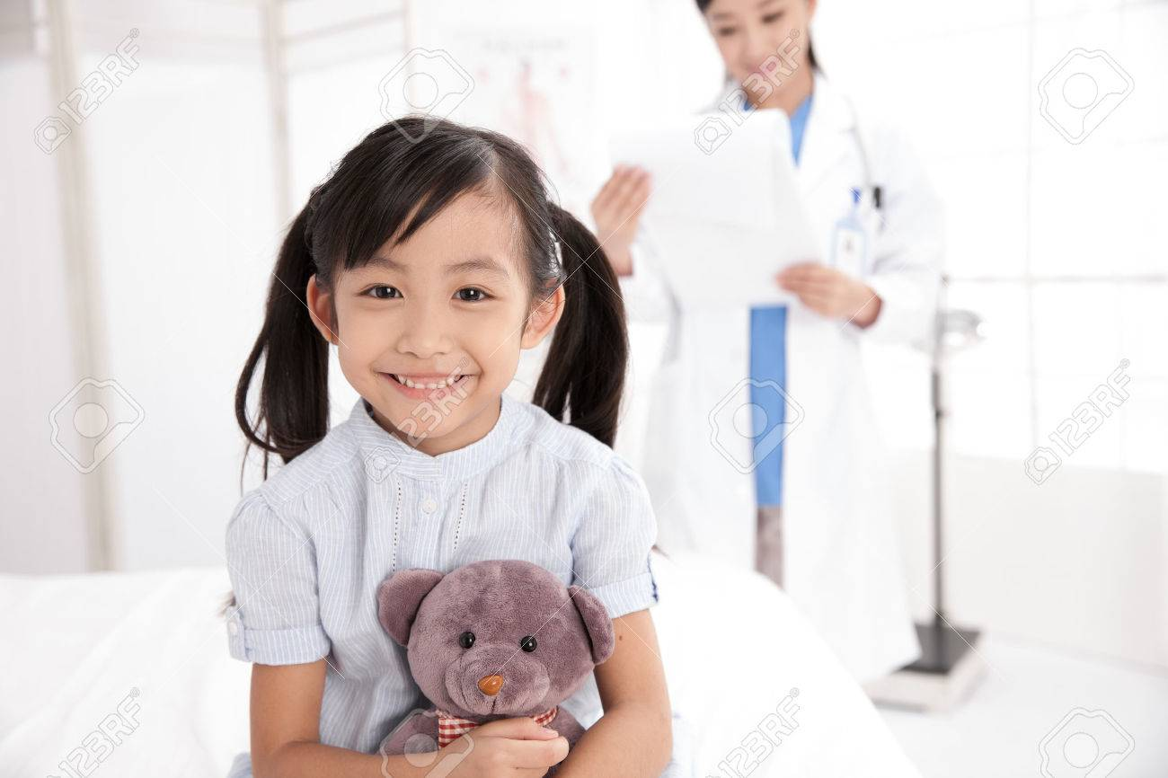 doctor and girl Stock Photo - 30133003