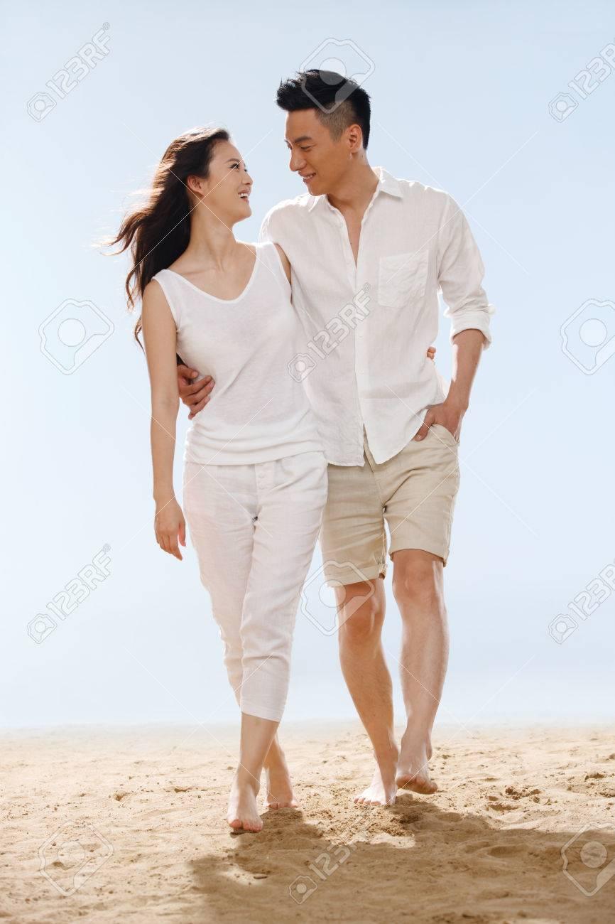 Couple on beach - 34917193