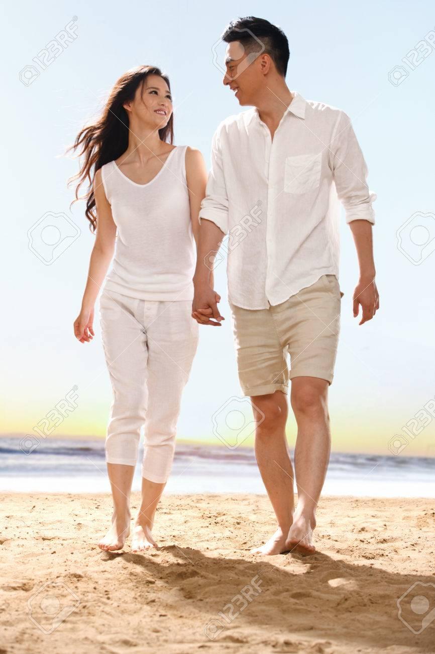 Couple on beach - 34917230