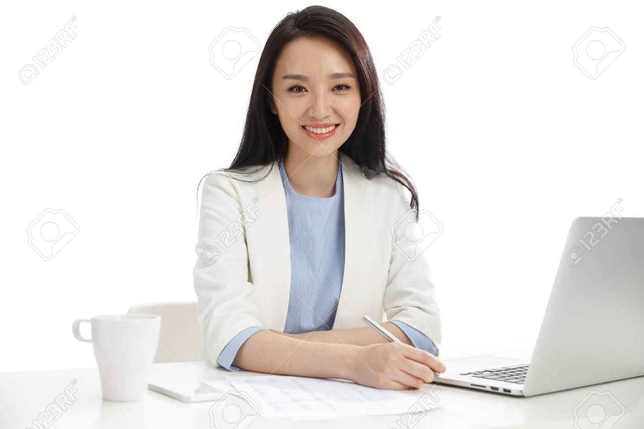 Young women in business - 57248514