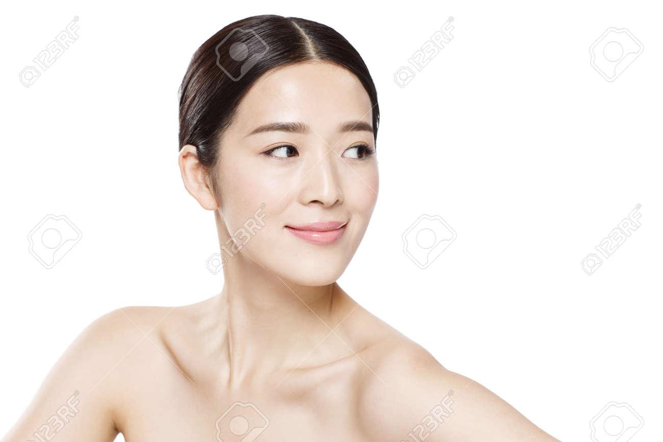 The young woman makeup portrait - 139565605