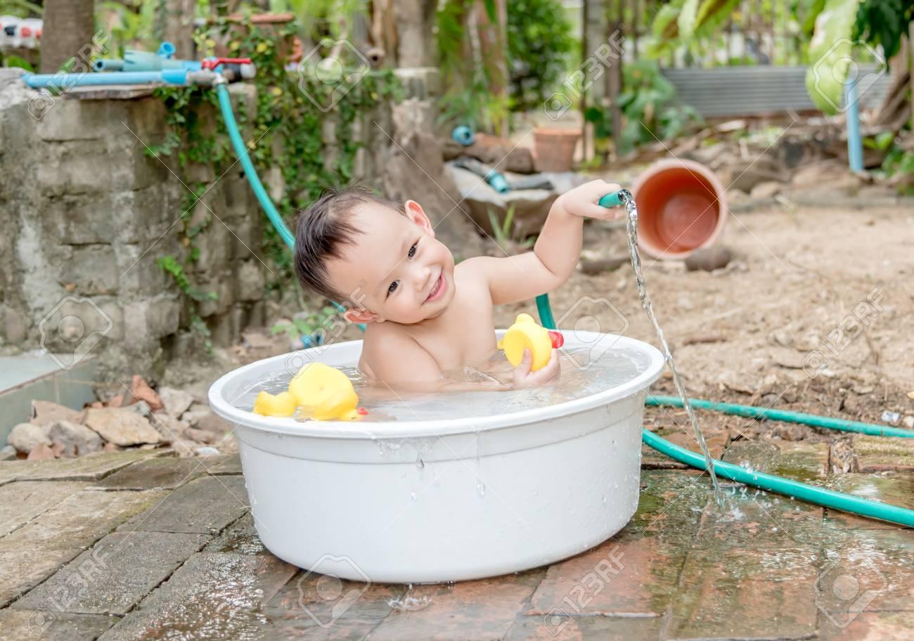 Vasca Da Bagno Per Esterno : Idromassaggio per piccolissime stanze da bagno