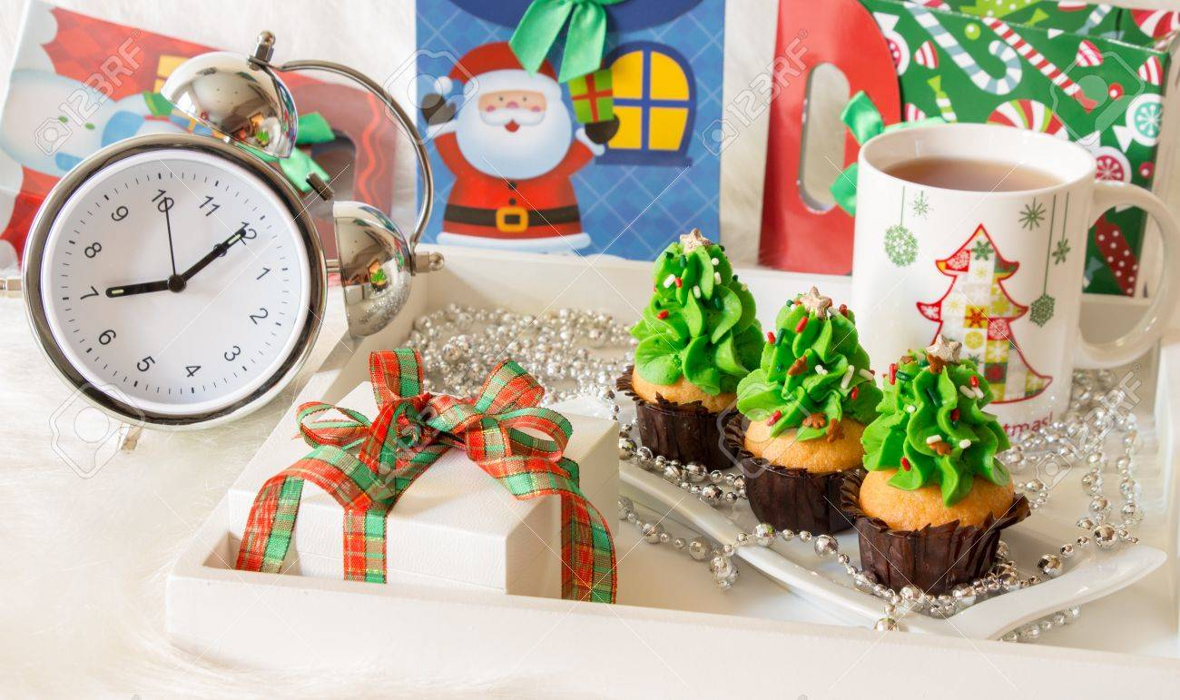 Christmas Cupcakes Mug Of Tea Gift Alarm Clock Holiday Decorated