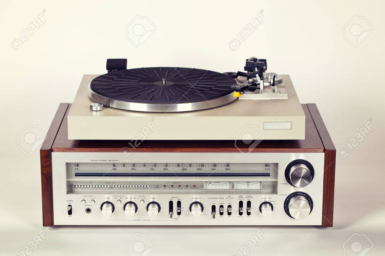 Stock Photo - Vintage Stereo Radio Receiver with Record Player Turntable Set  sc 1 st  123RF.com & Vintage Stereo Radio Receiver With Record Player Turntable Set Stock ...