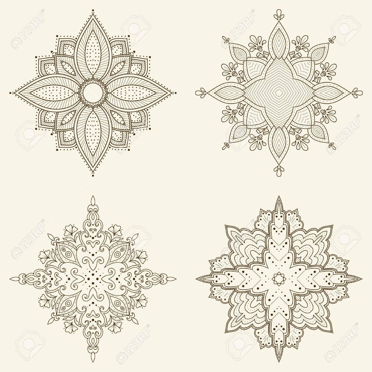 Conjunto De Cuatro Mandalas Mano Hermosa Flores étnico Encaje ...