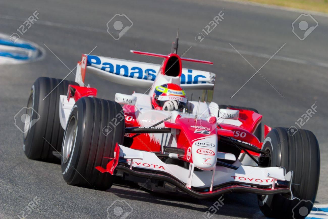 JEREZ DE LA FRONTERA, SPAIN - OCT 11: Ricardo Zonta of Toyota F1 races on training session on October 11 , 2006 in Jerez de la Frontera , Spain Stock Photo - 9907310