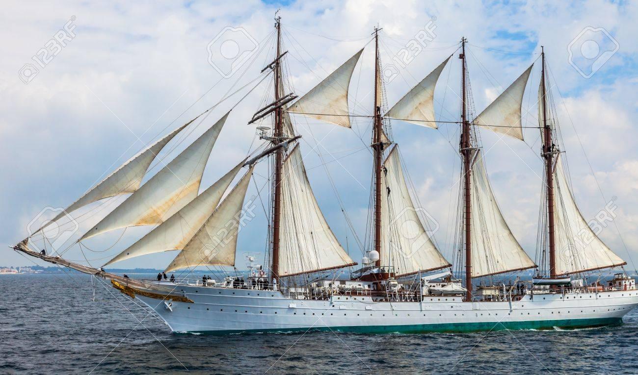 CADIZ, SPAIN - APR 01: Spanish Navy Training Ship, Juan Sebastian de Elcano setting sail on the 83rd cruise of instruction with 69 midshipmen on April 01 , 2012, in Cadiz , Spain Stock Photo - 13257941