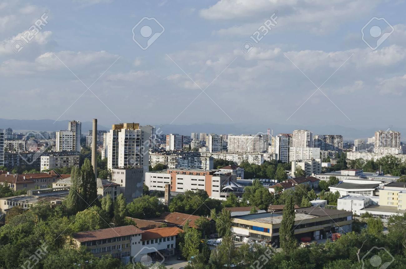 Ein Wohnviertel Der Zeitgenössischen Bulgarischen Häuser In Stadt ...