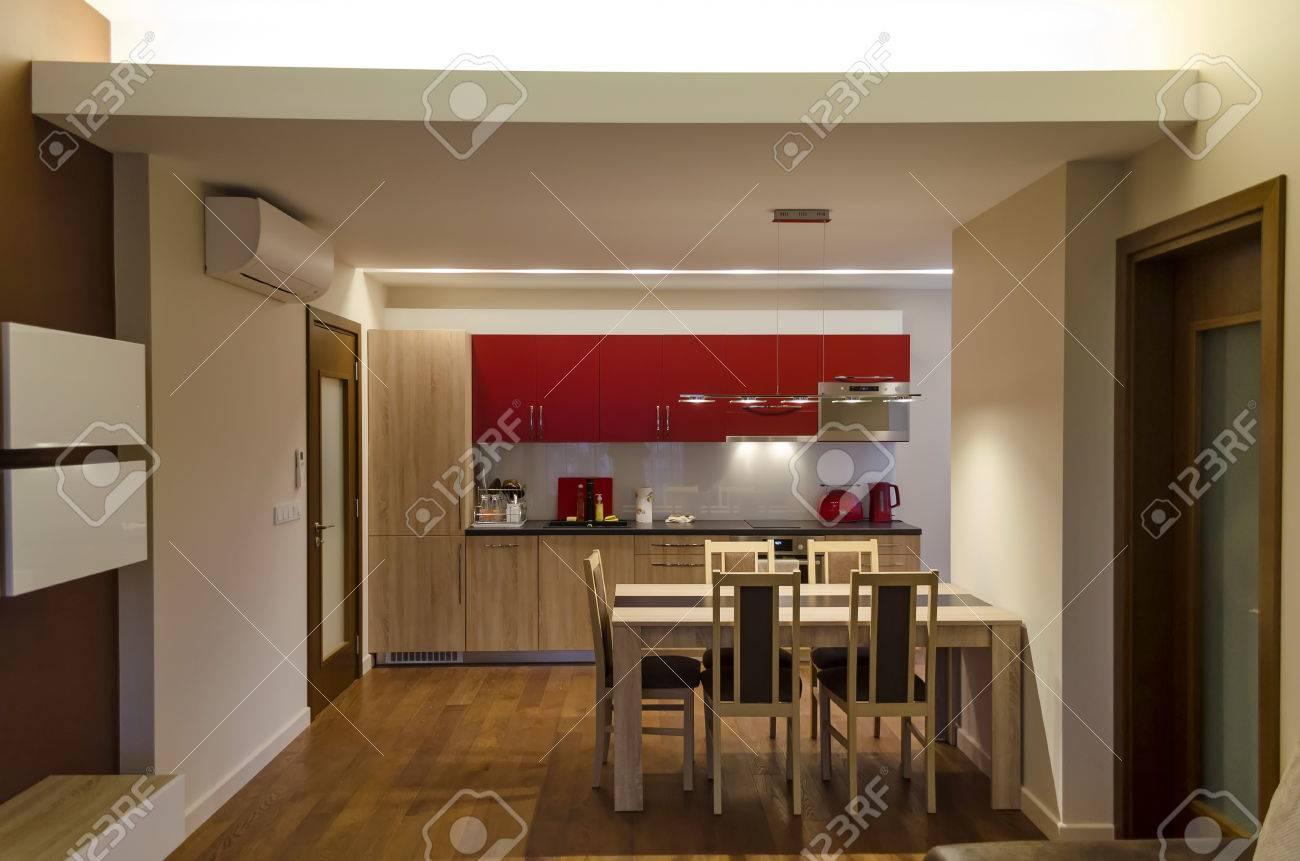 Hermosa Estudio Mesa De Cocina Del Apartamento Inspiración - Como ...