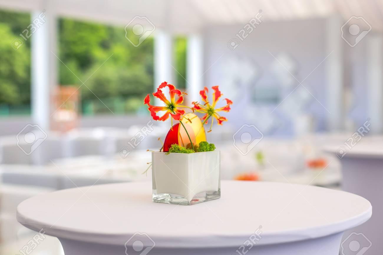 Buffet Dekorationen Blumen Corporate Design Dekoration Weisser Tisch