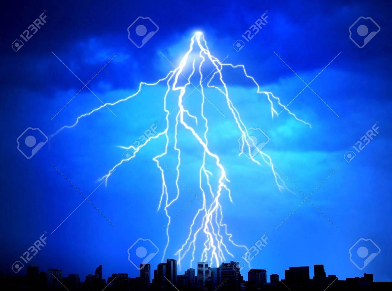 Strike of lightning Stock Photo - 7601762