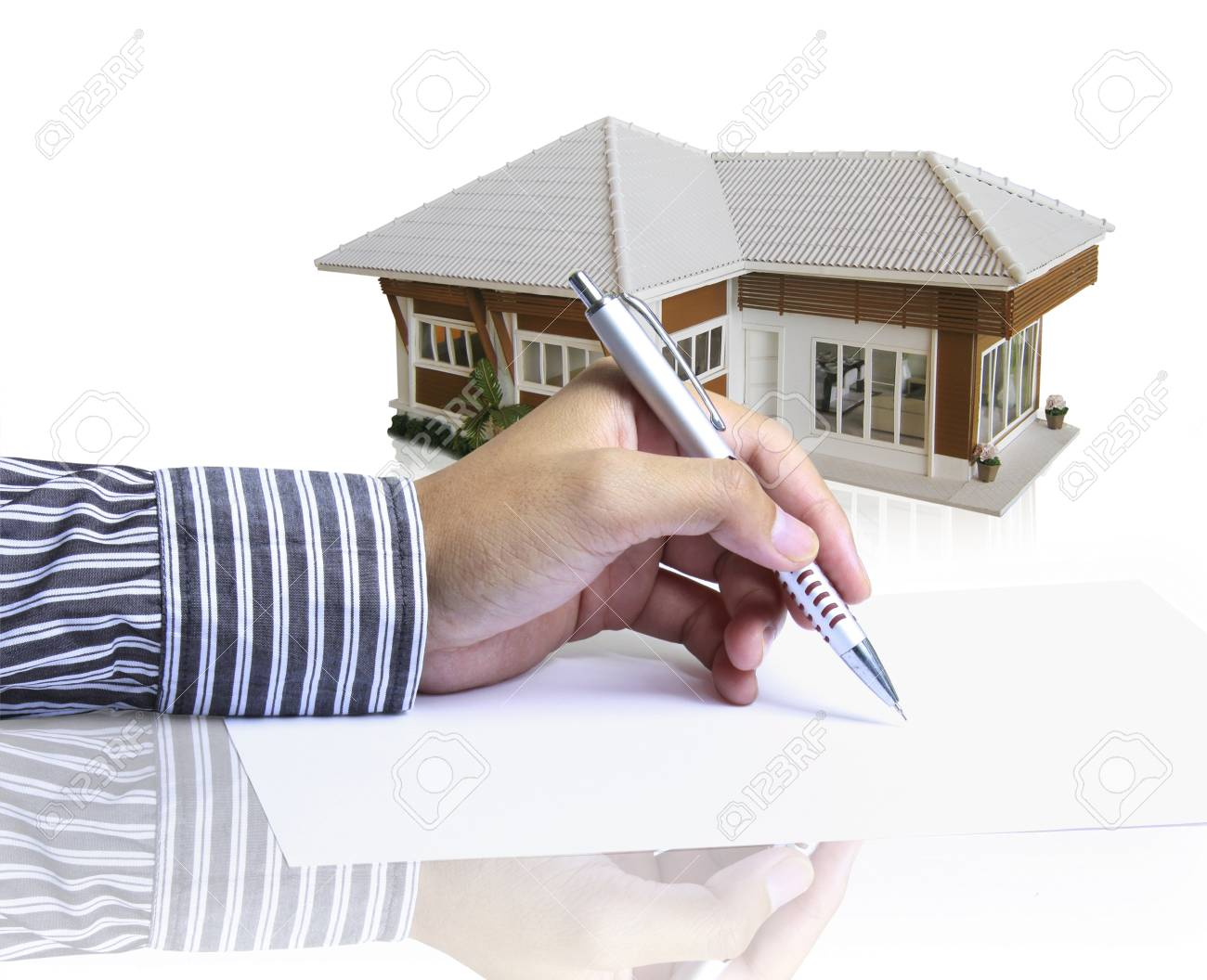 Hand, drawing plan house Stock Photo - 10553640