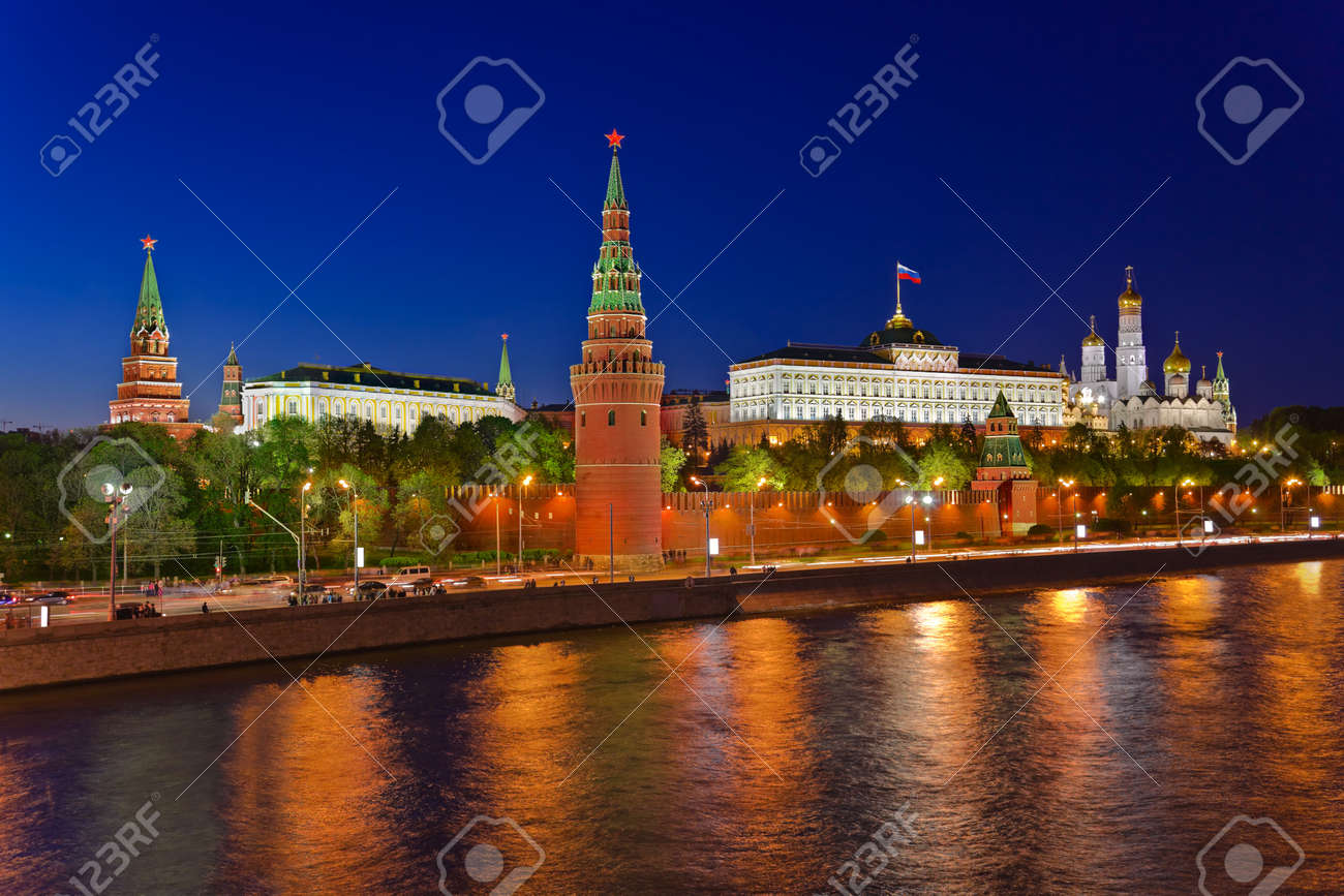 Kremlin in Moscow (Russia) at night Stock Photo - 10078559