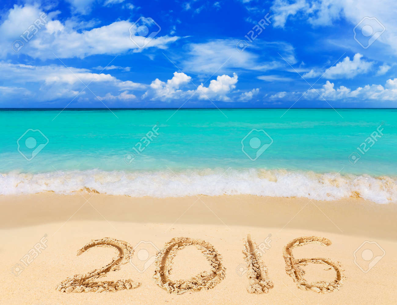 Numbers 2016 on beach - concept holiday background - 48008141