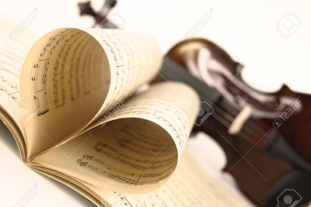 Violin and music sheet Stock Photo - 11548514