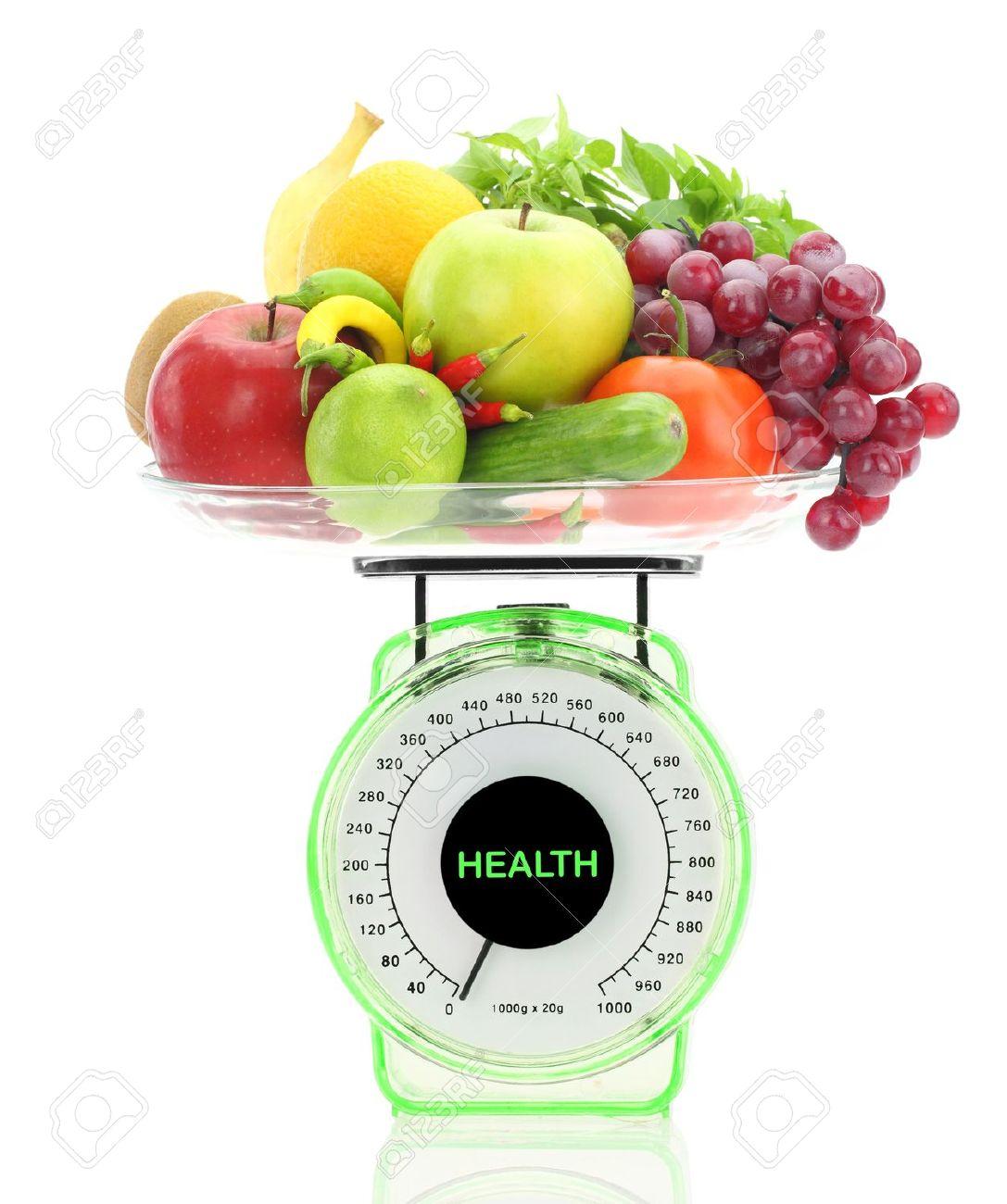 La Alimentación Saludable. Balanza De Cocina Con Frutas Y Verduras ...