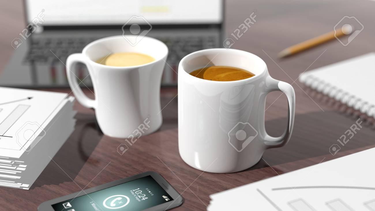 Oggetti Per Ufficio : Due tazze di caffè sul tavolo con gli oggetti per ufficio foto