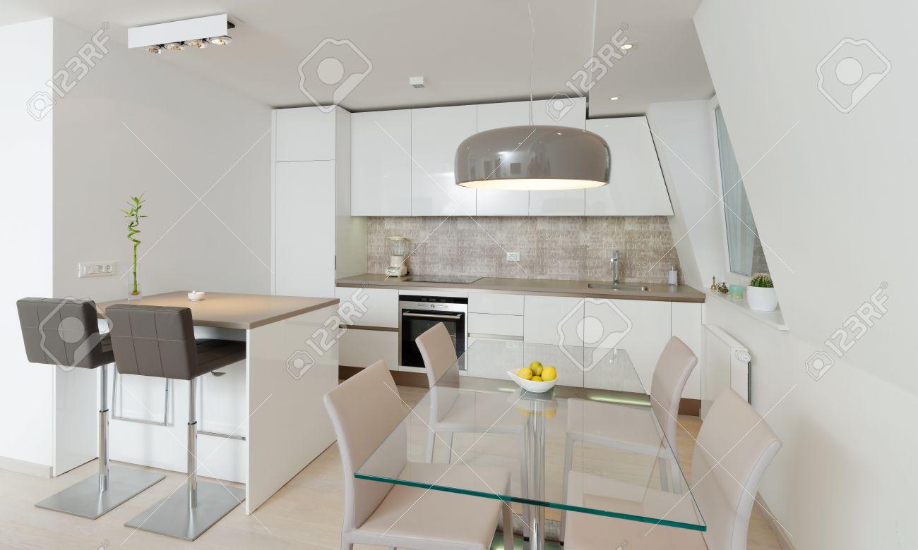 Intérieur de style maison moderne, cuisine banque d'images et ...