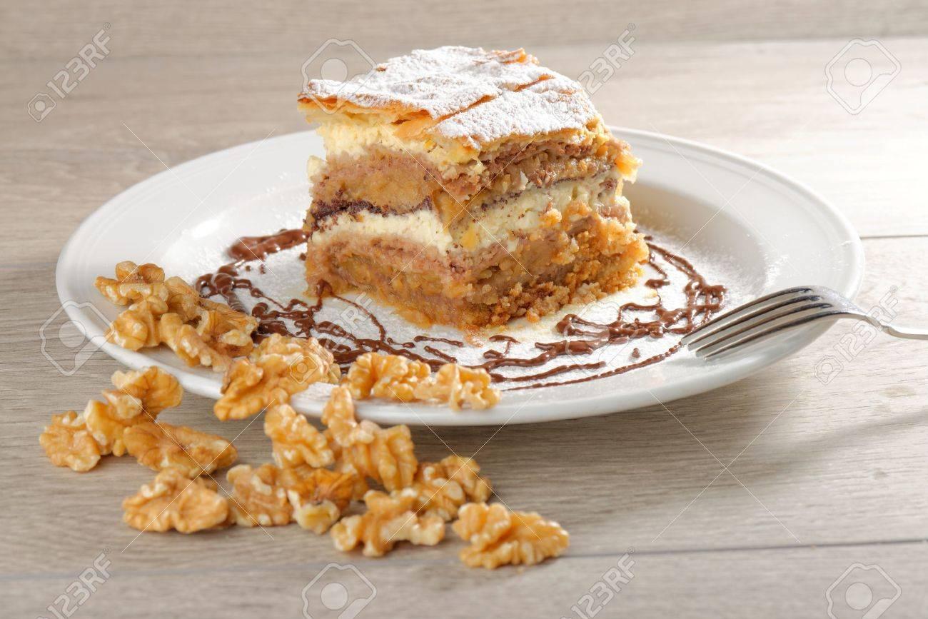 Gibanica Traditionelle Slowenische Kuchen Kuchen Mit Nussen Mohn