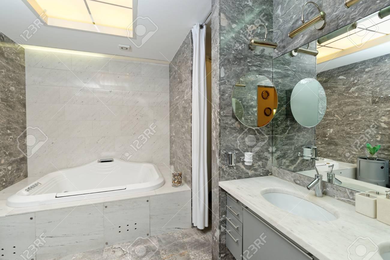 Luxus Marmor Badezimmer Innenraum Standard Bild   62601495