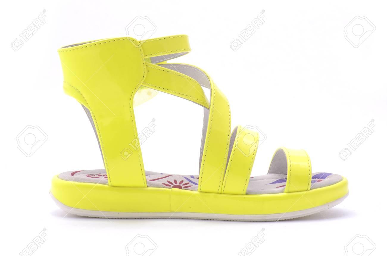 Amarillas Niñas Aisladas Para En Sandalias Blanco Las iwPXZTOuk