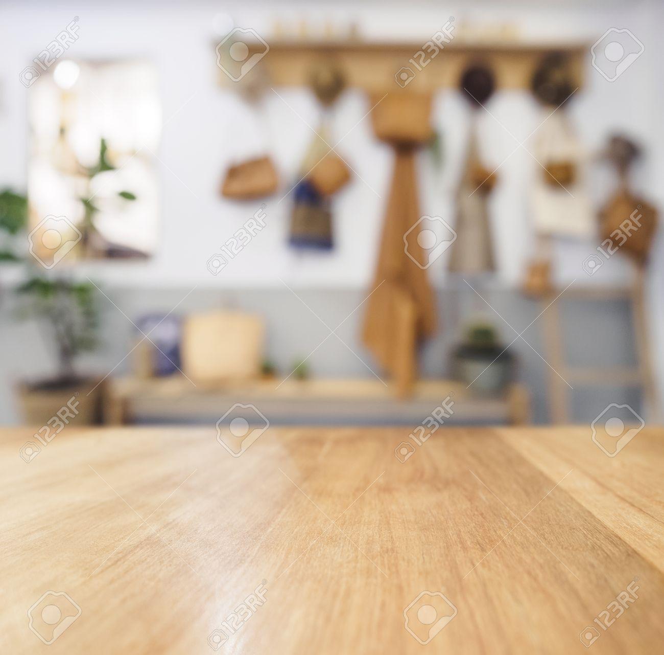 Tabla Encimera De Madera Fondo Borrosa De Cocina Estilo De La Cabaña ...