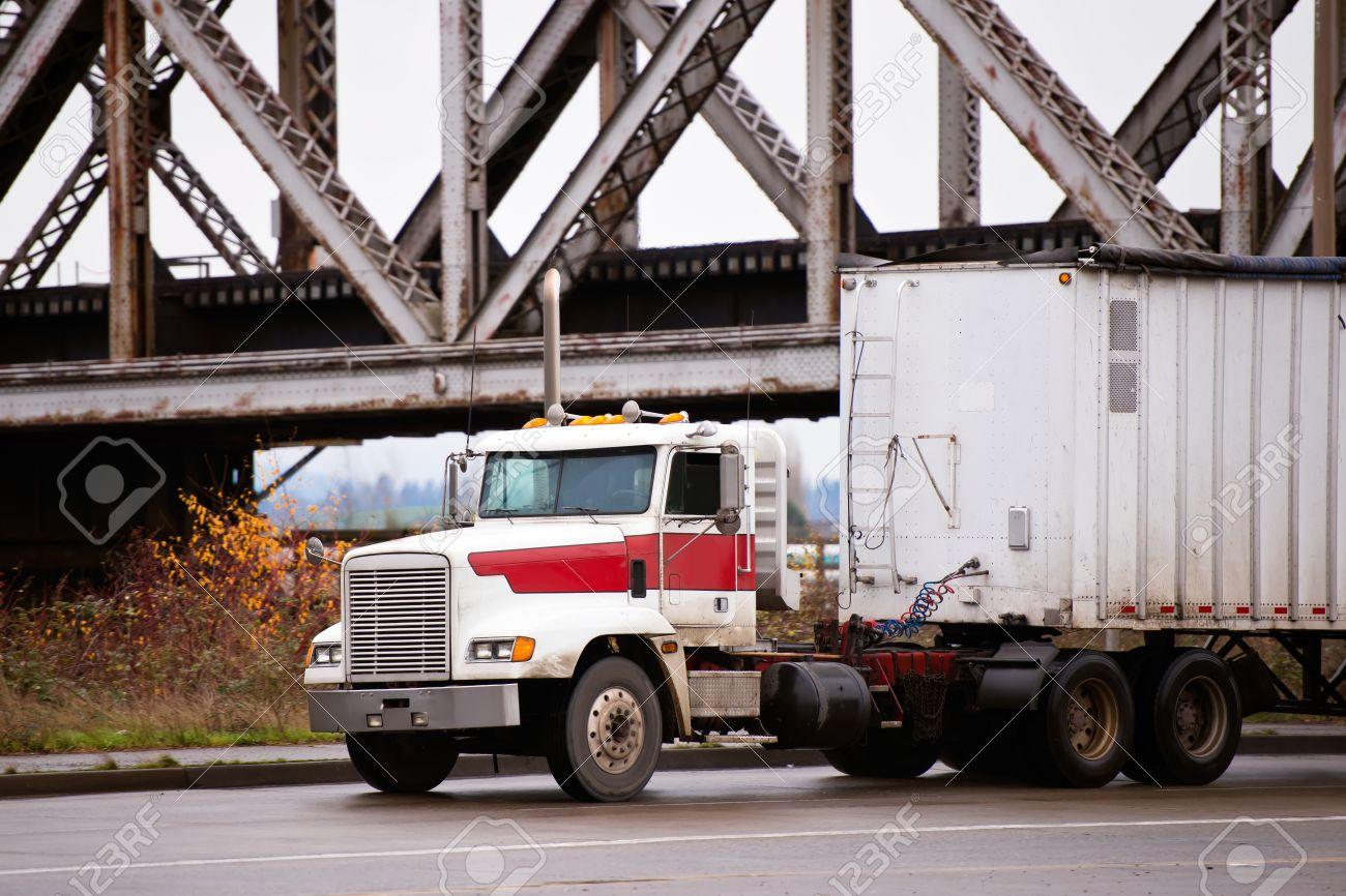 Semi Truck Black And White Bonnet White Semi Truck