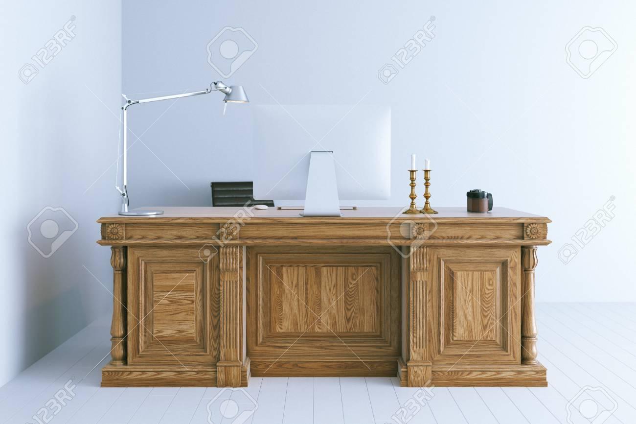 Intérieur de bureau moderne avec table en bois classique d