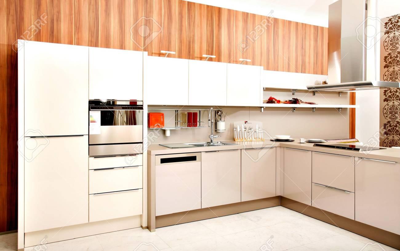 Diseño De La Cocina Moderna Que Contiene Muebles, Electrodomésticos ...