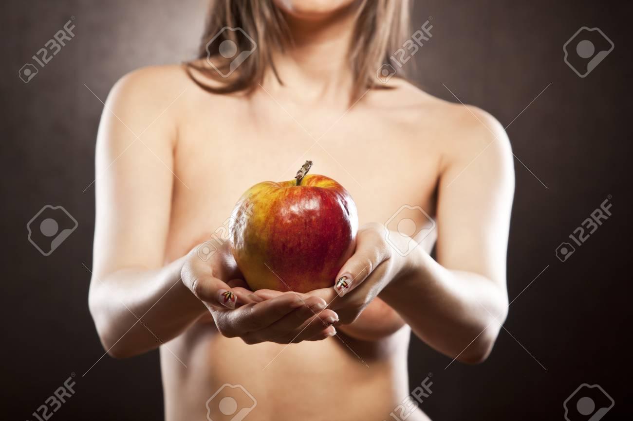nudo ragazza immagini