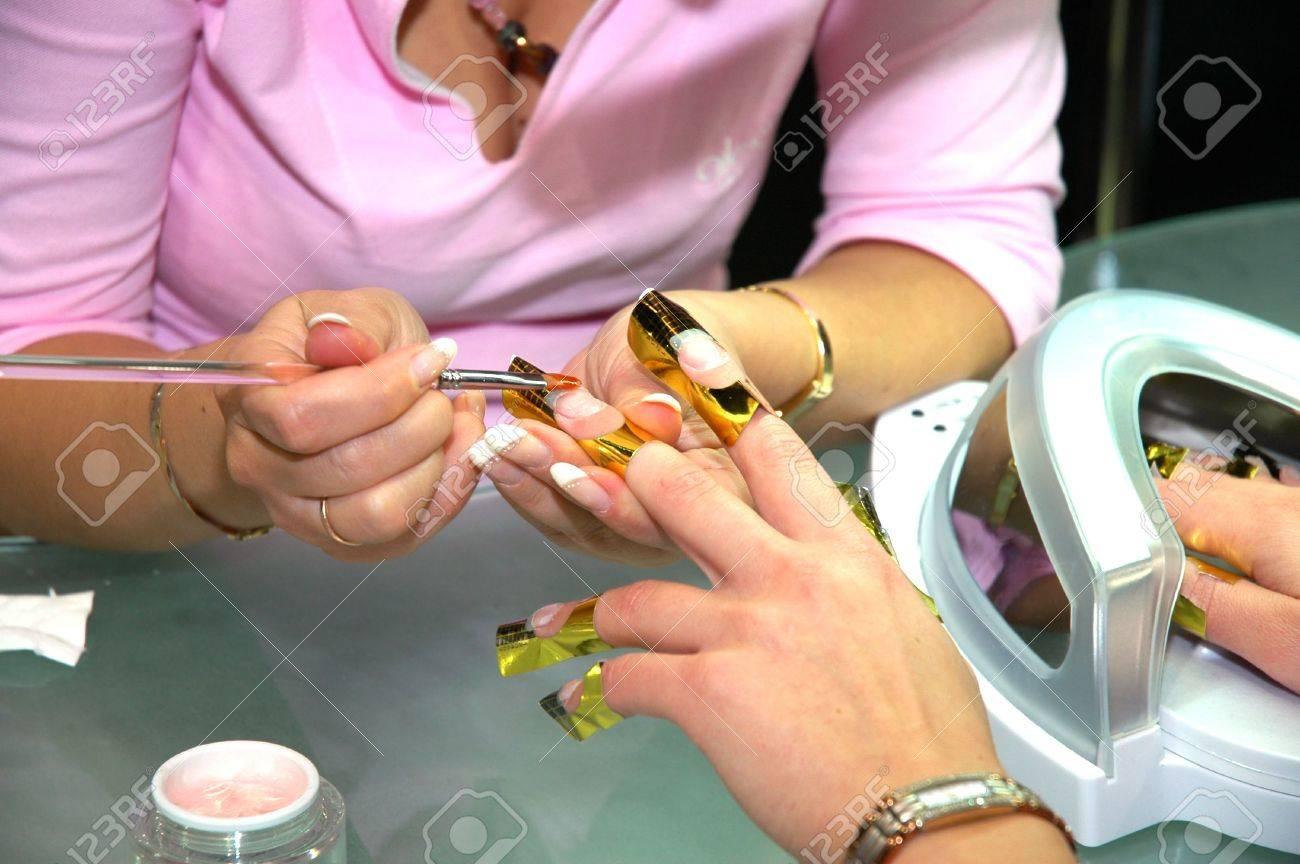 In a beauty shop - 913362