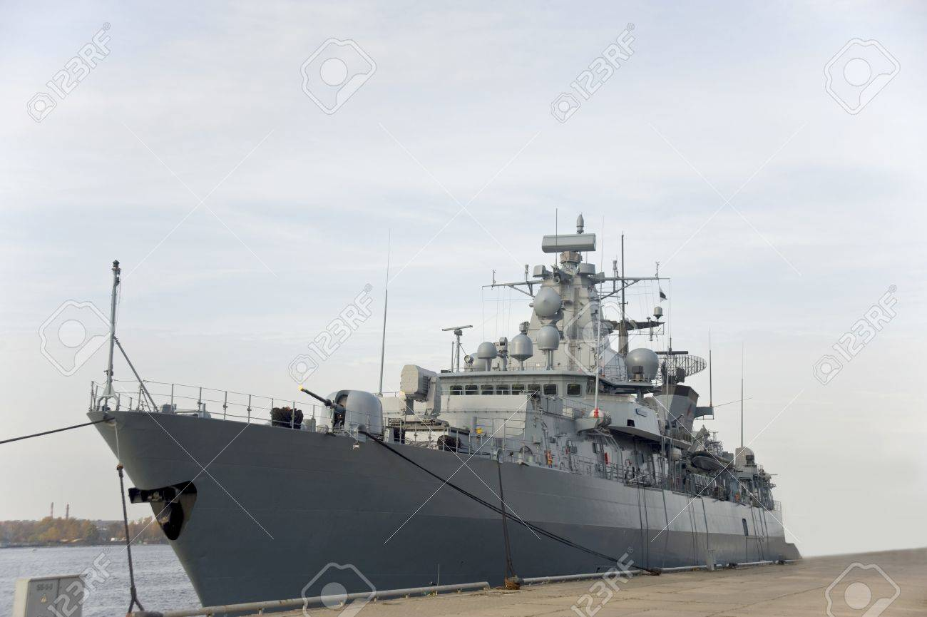 Military anti-submarine ship at the mooring Stock Photo - 16218736