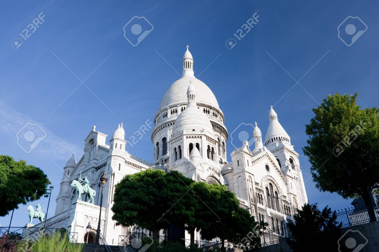Sacre Couer basilica at Montmartre in Paris, France. Stock Photo - 7799496