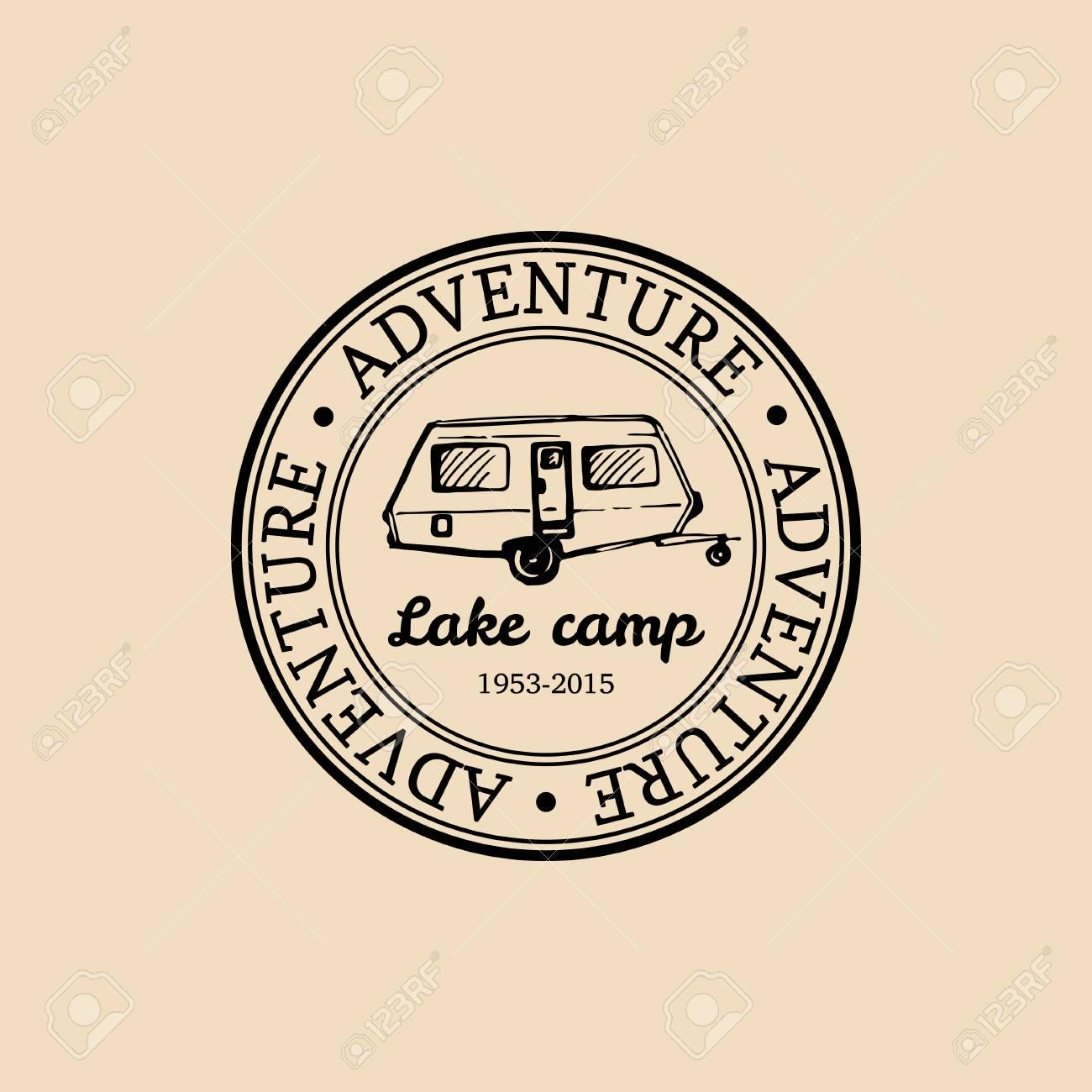 Vektor Lager Logo Tourismus Zeichen Mit Hand Gezeichnet Anhanger